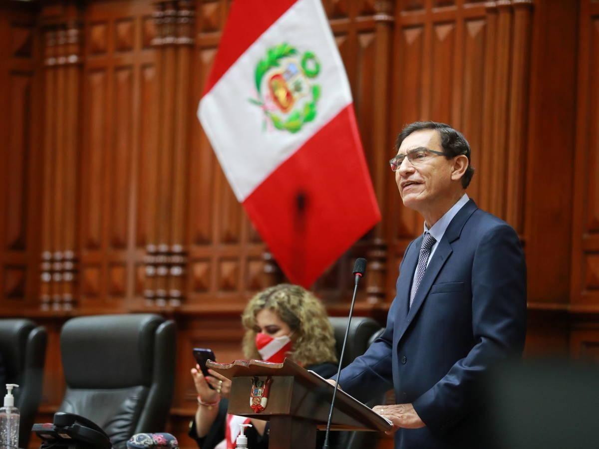 Justicia peruana prohíbe salir del país a expresidente Martín Vizcarra