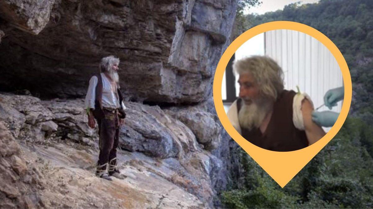 Hombre que vivió 20 años en una cueva salió a vacunarse contra el covid-19