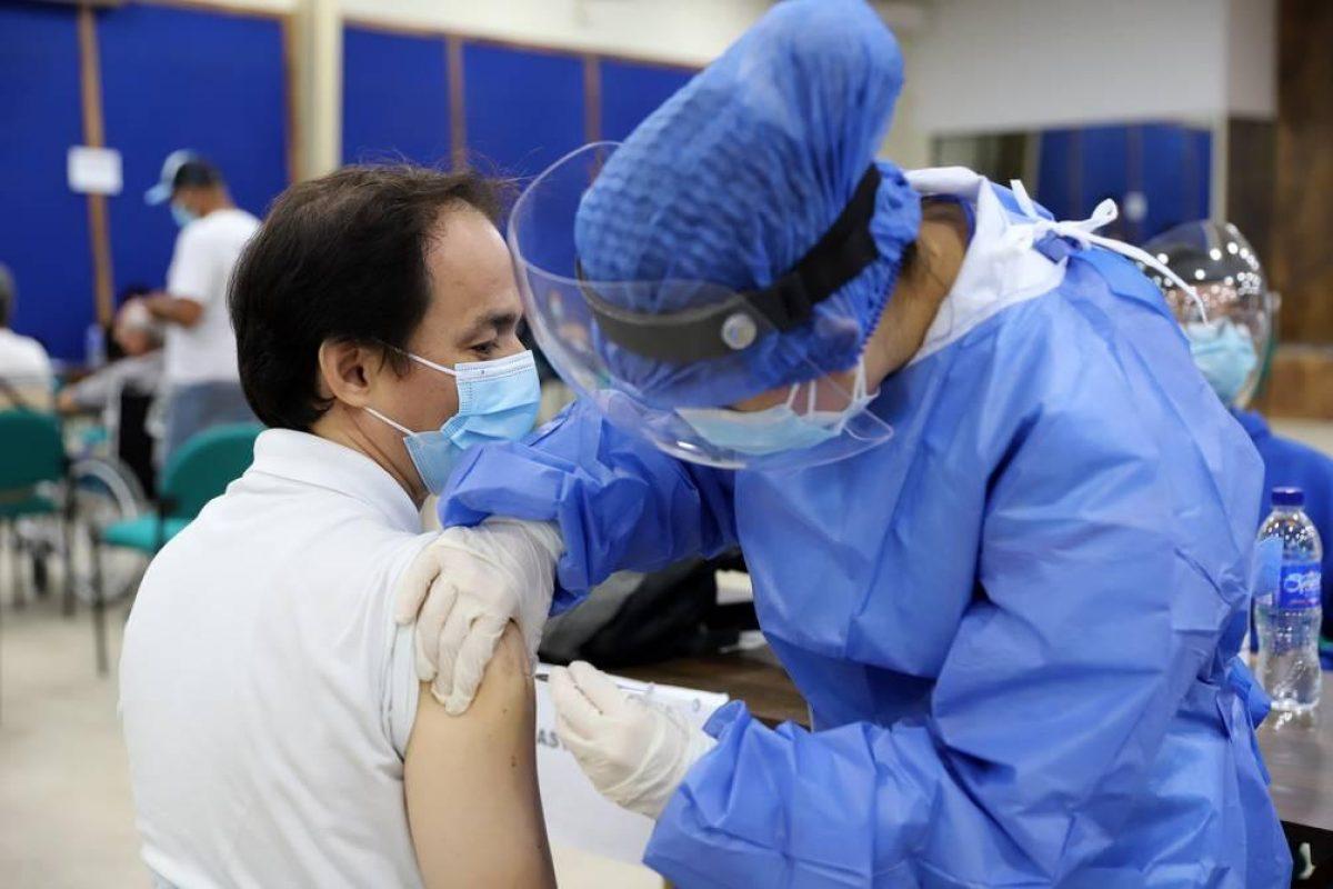 En Ecuador se aplicará tercera dosis de refuerzo contra covid-19