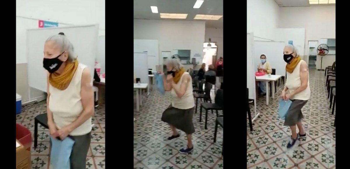 Adulta mayor  baila de alegría tras recibir la vacuna contra el Covid-19
