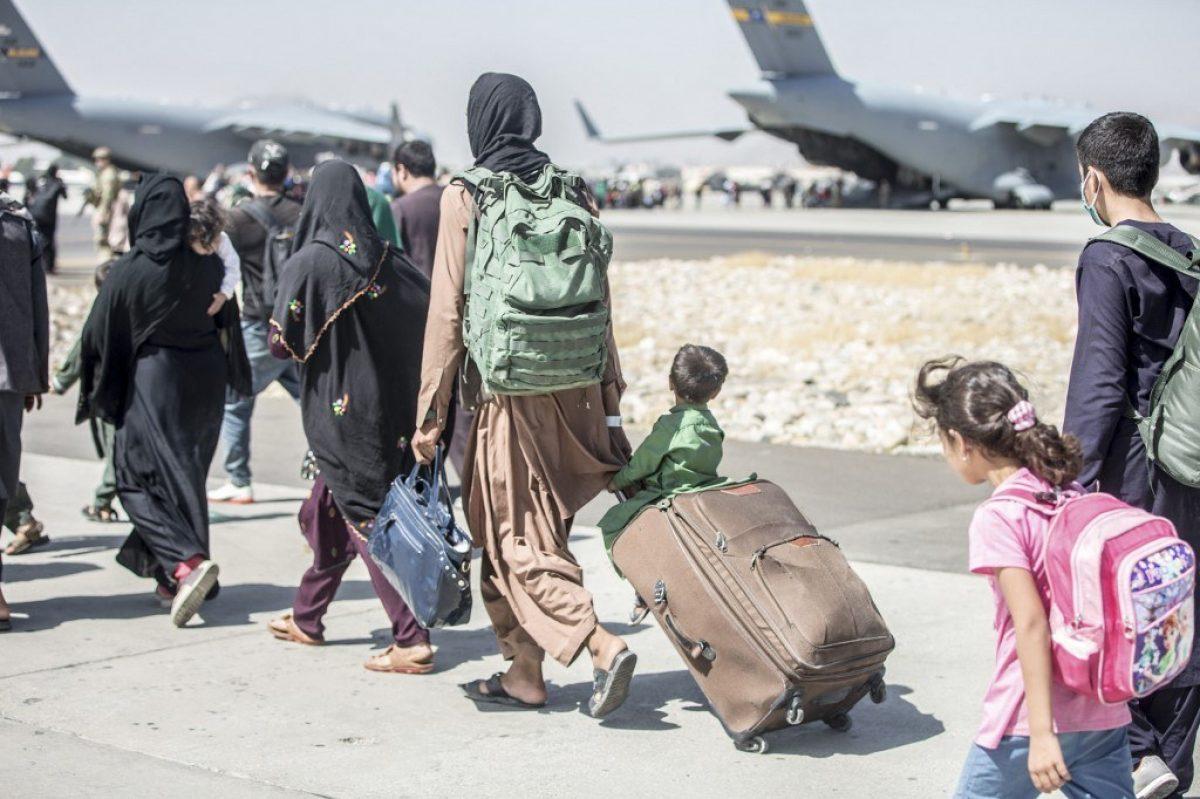 Talibanes insisten en que las evacuaciones deben terminar el 31 de agosto
