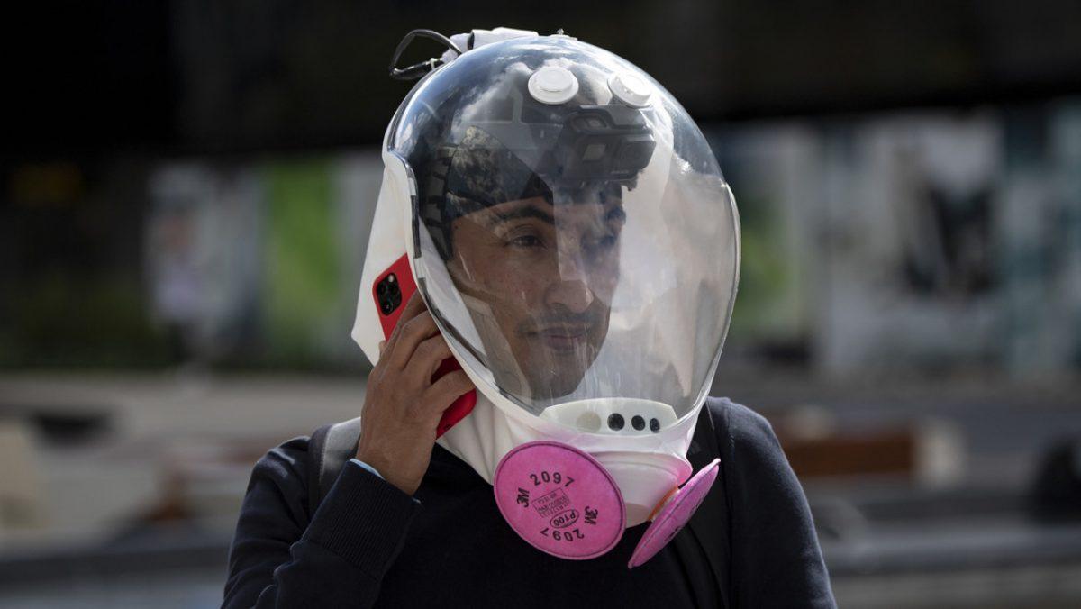 VIDEO, FOTOS: Ingenieros colombianos diseñan una burbuja de bioseguridad similar al casco de un astronauta que protege contra el covid-19