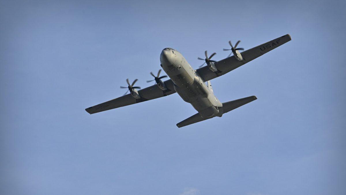 Se estrella un avión filipino militar con 92 personas a bordo