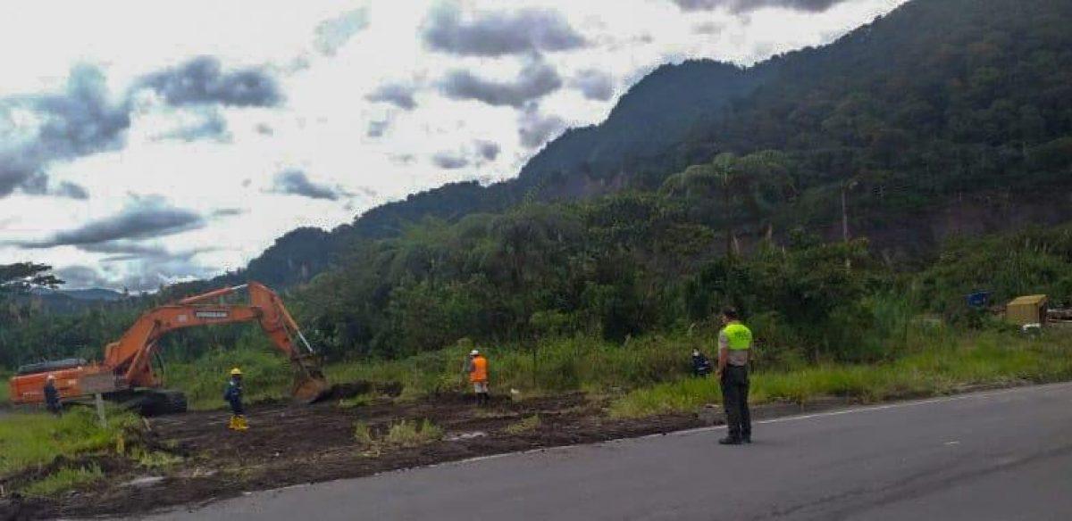 Servicio Nacional de Gestión de Riesgos y Emergencias y de la Corporación Eléctrica del Ecuador se refirió sobre el socavamiento producido en Napo, sector San Rafael, vía Y de Baeza-Lago Agrio
