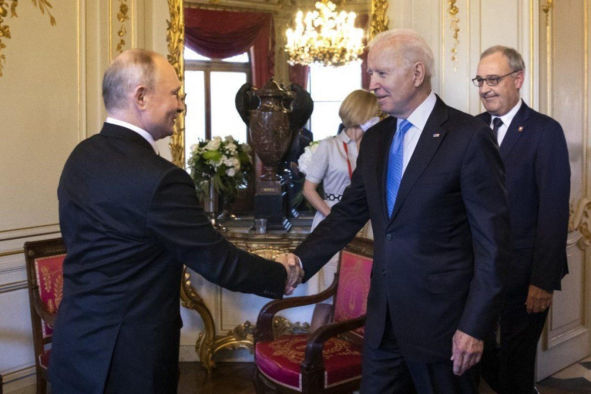 "Putin y Biden celebran cumbre ""positiva"", pero EE.UU. advierte de ciberataques"