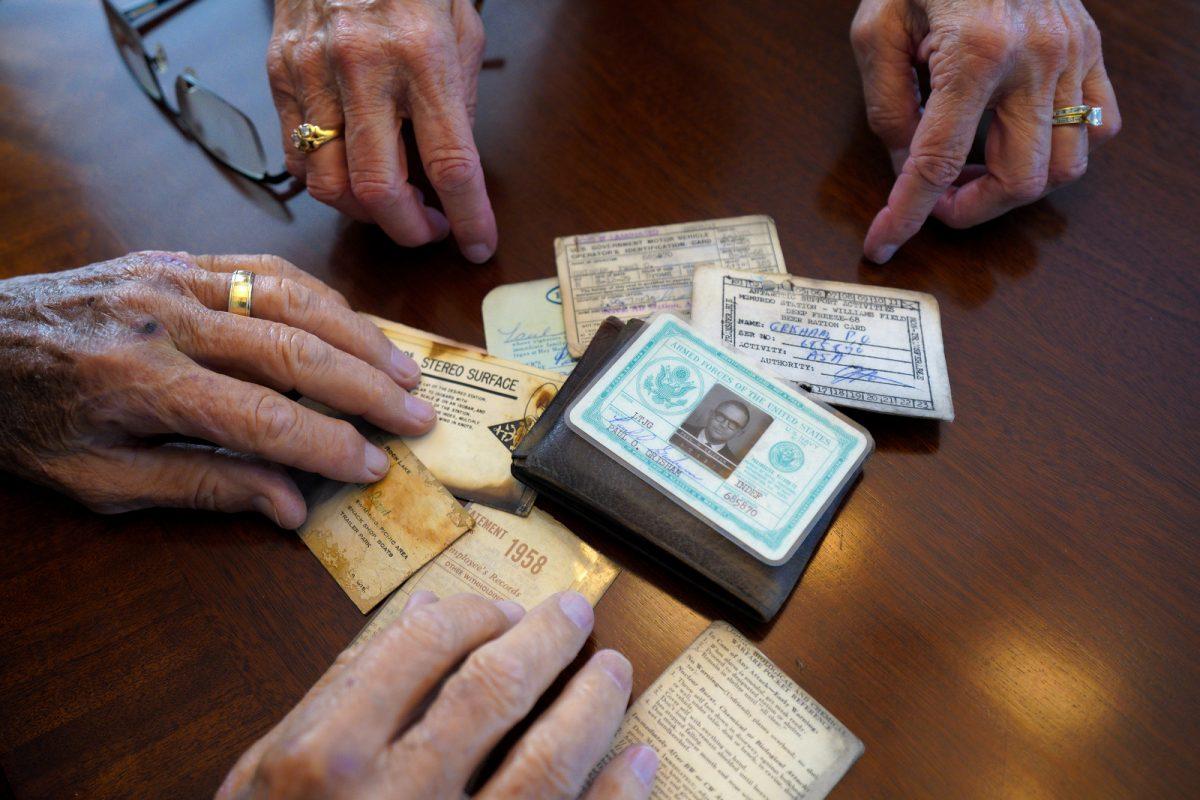 Hombre perdió su billetera en la Antártida y la recuperó 53 años después
