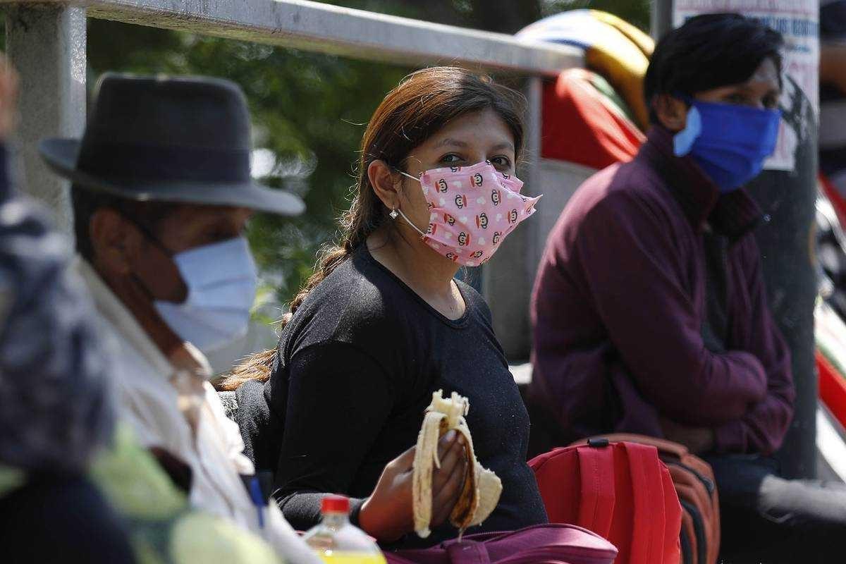 """Bolivia registra """"muy rápida escalada"""" de casos covid-19 y está en segunda ola"""