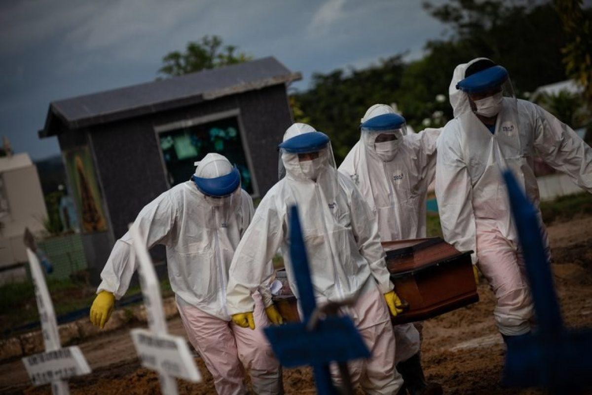 Más de tres mil muertos en 72 horas y colapso sanitario en Brasil