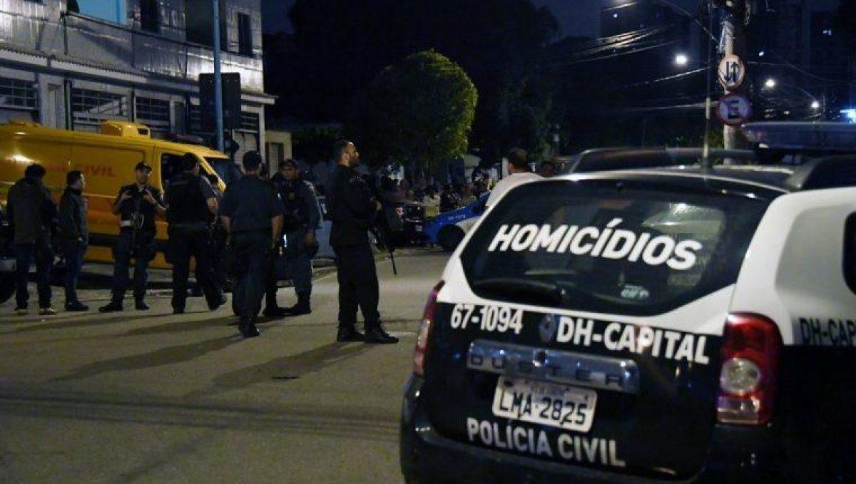 Un sujeto mató a tres niños y dos adultos en una escuela en Brasil