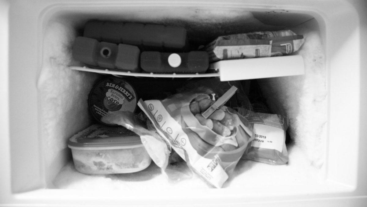 Mujer mantiene durante 15 años los restos de su abuela en el congelador para cobrar su pensión