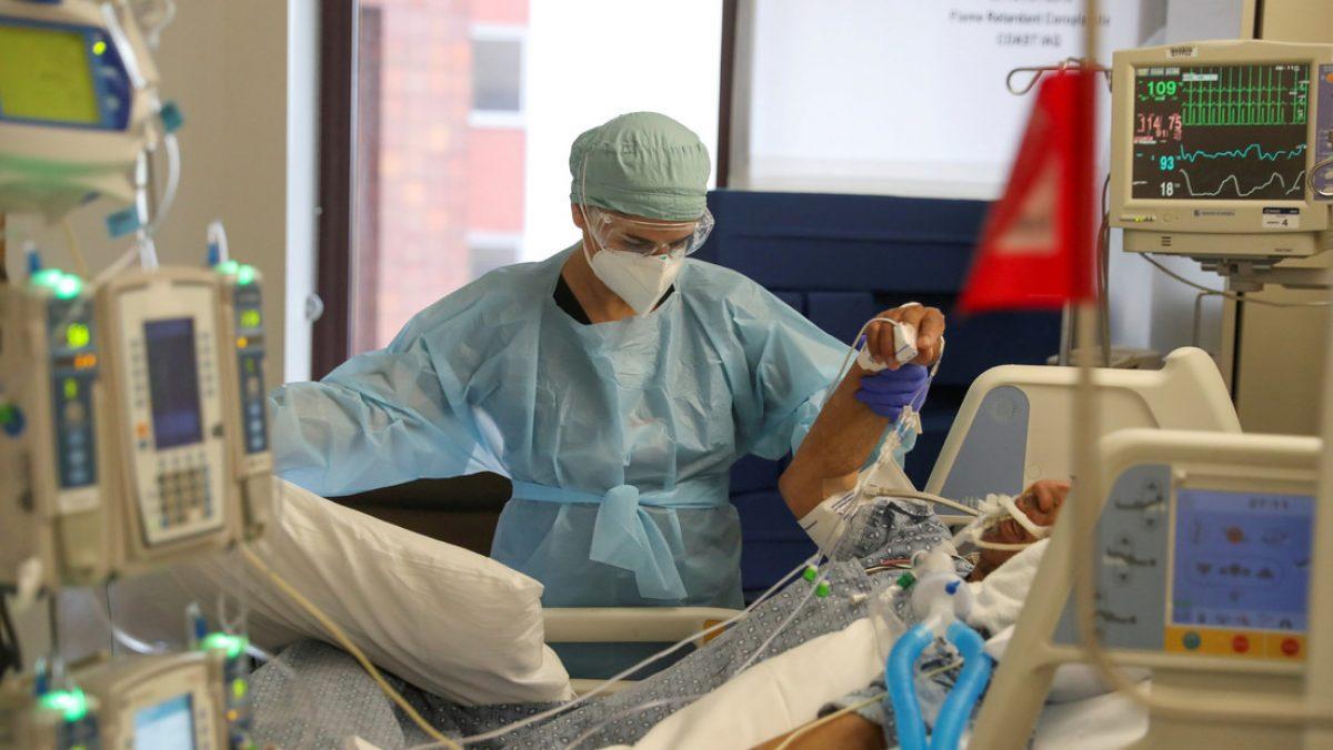 Estudio revela por qué ciertos pacientes con covid-19 presentan complicaciones mortales