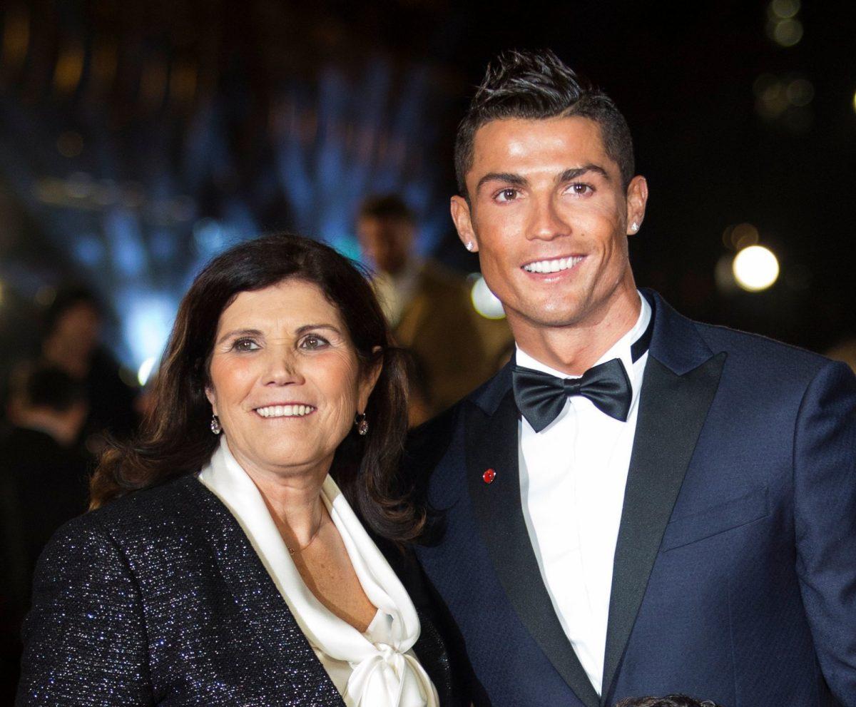 La reacción de la madre de Ronaldo a un gol de su hijo en el debut con el Manchester United