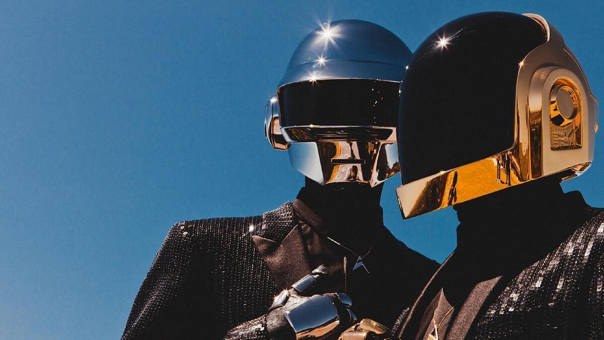 """Daft Punk anuncia su separación con un video de la """"muerte"""" de uno de los robots"""