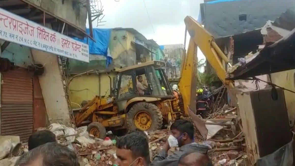 8 niños y 3 adultos muertos por derrumbe de edificio en India