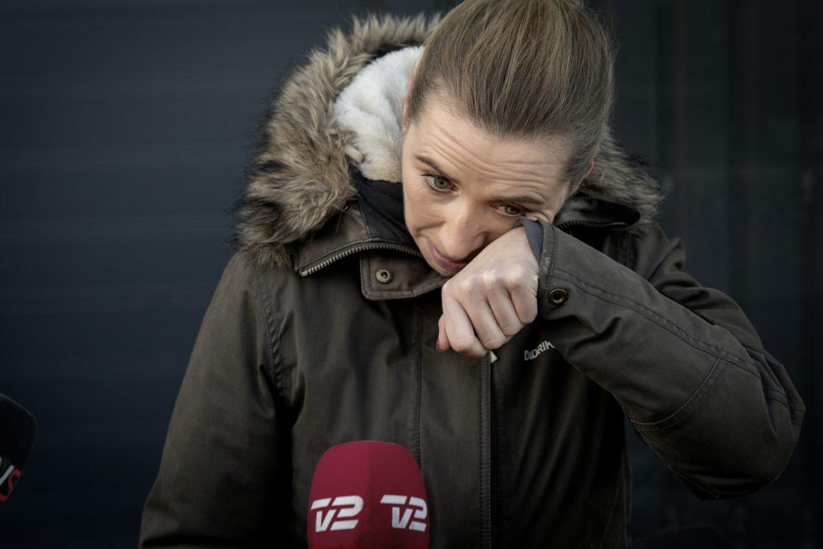 En lágrimas, primera ministra danesa se disculpó por la matanza de visones