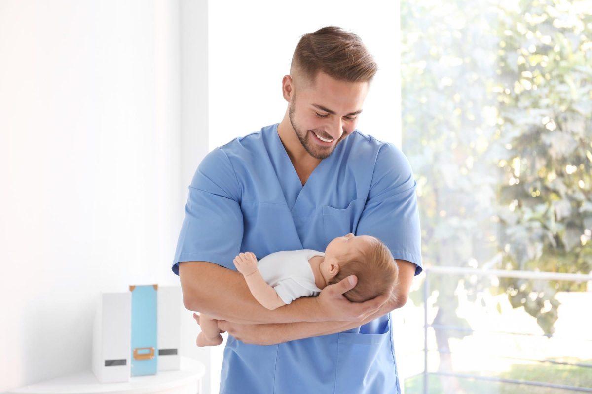 Un médico es el padre de siete hijos de sus pacientes que tenían problemas de fertilidad