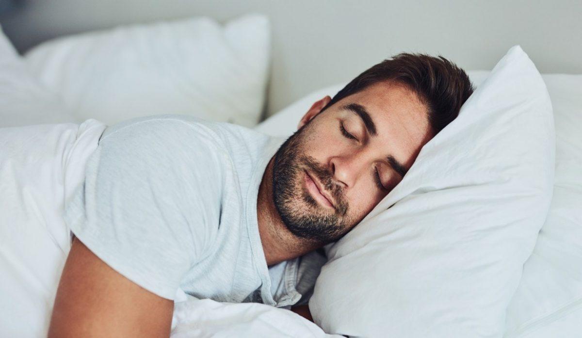 El ejercicio de la respiración relajante previene el insomnio según psicólogos
