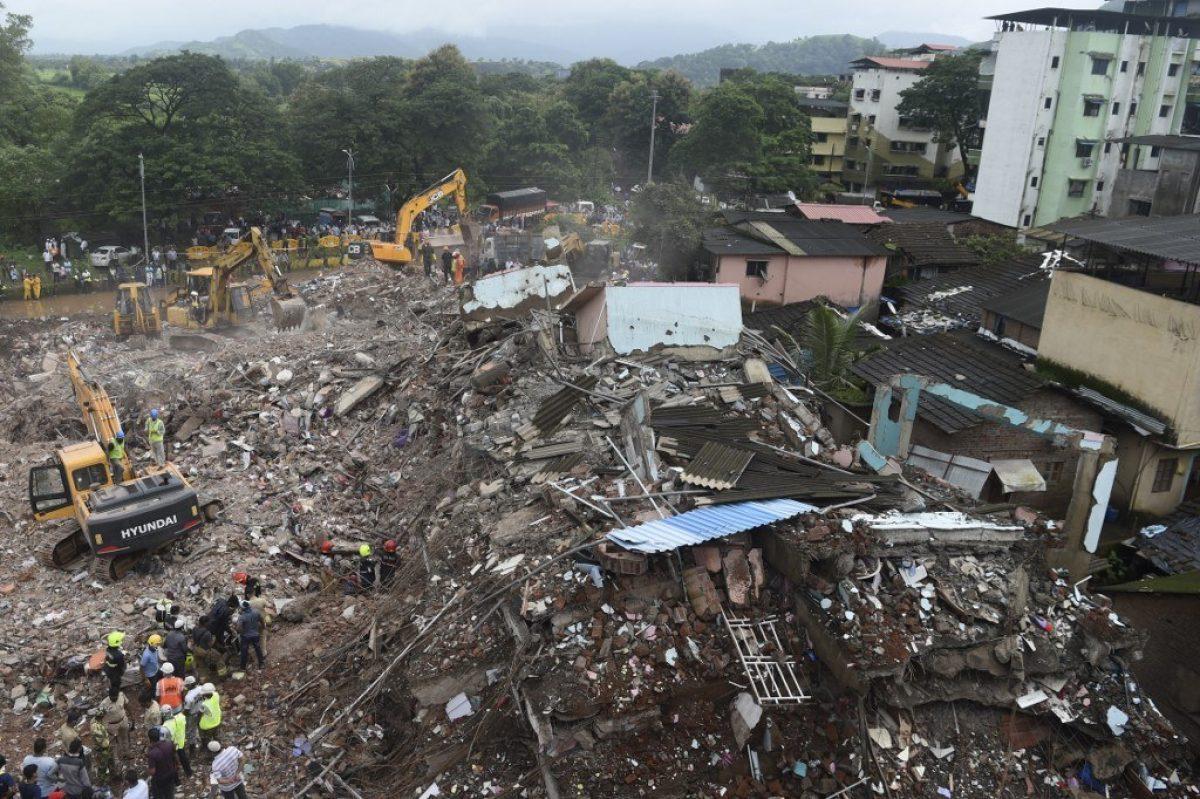 Al menos 11 muertos en el derrumbe de un edificio en India