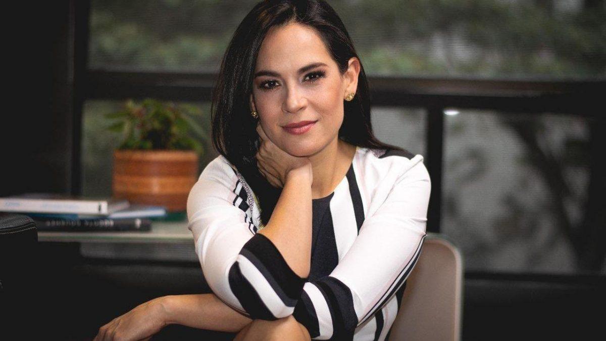 Andrea Bernal renunció a ser la moderadora del Ecuador Debate 2021