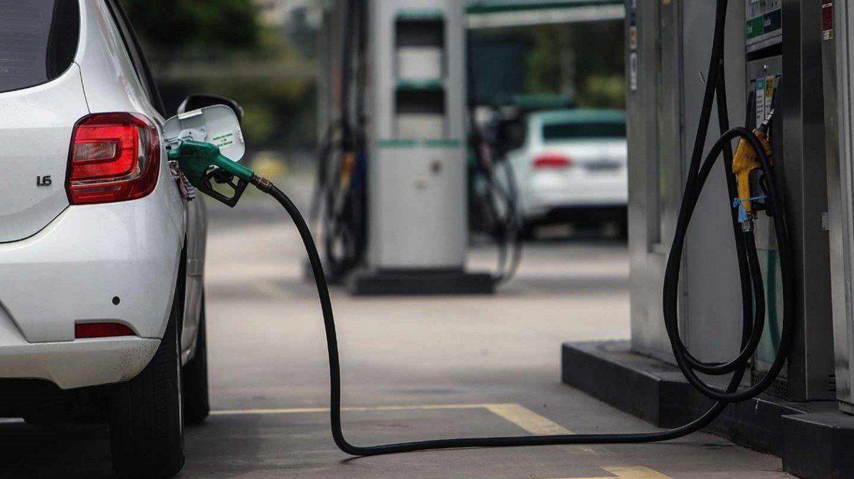Desde hoy sube el precio de combustible en el Ecuador