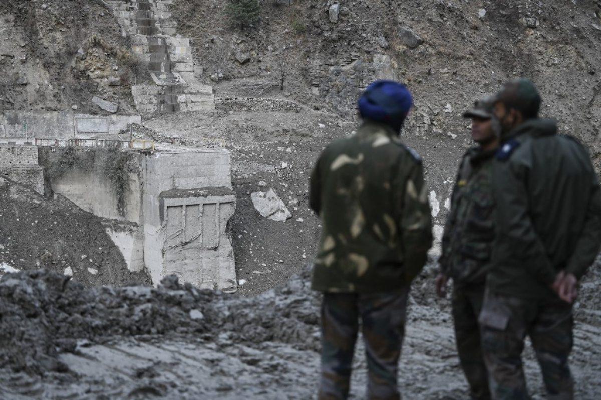 177 desaparecidos tras desprendimiento de glaciar