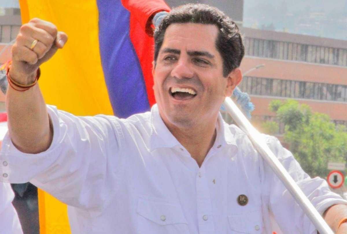 Excandidato Xavier Hervas llama al diálogo a Guillermo Lasso