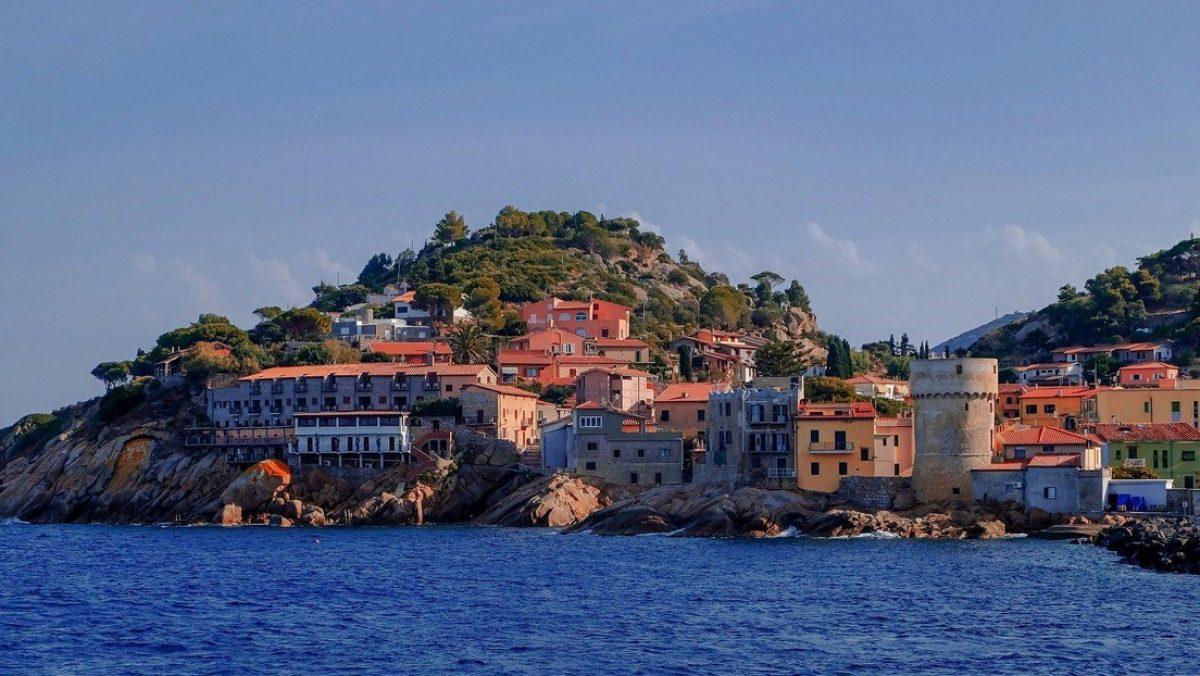 Una isla italiana con las condiciones perfectas para la propagación del covid-19 no registra casos locales y nadie sabe por qué