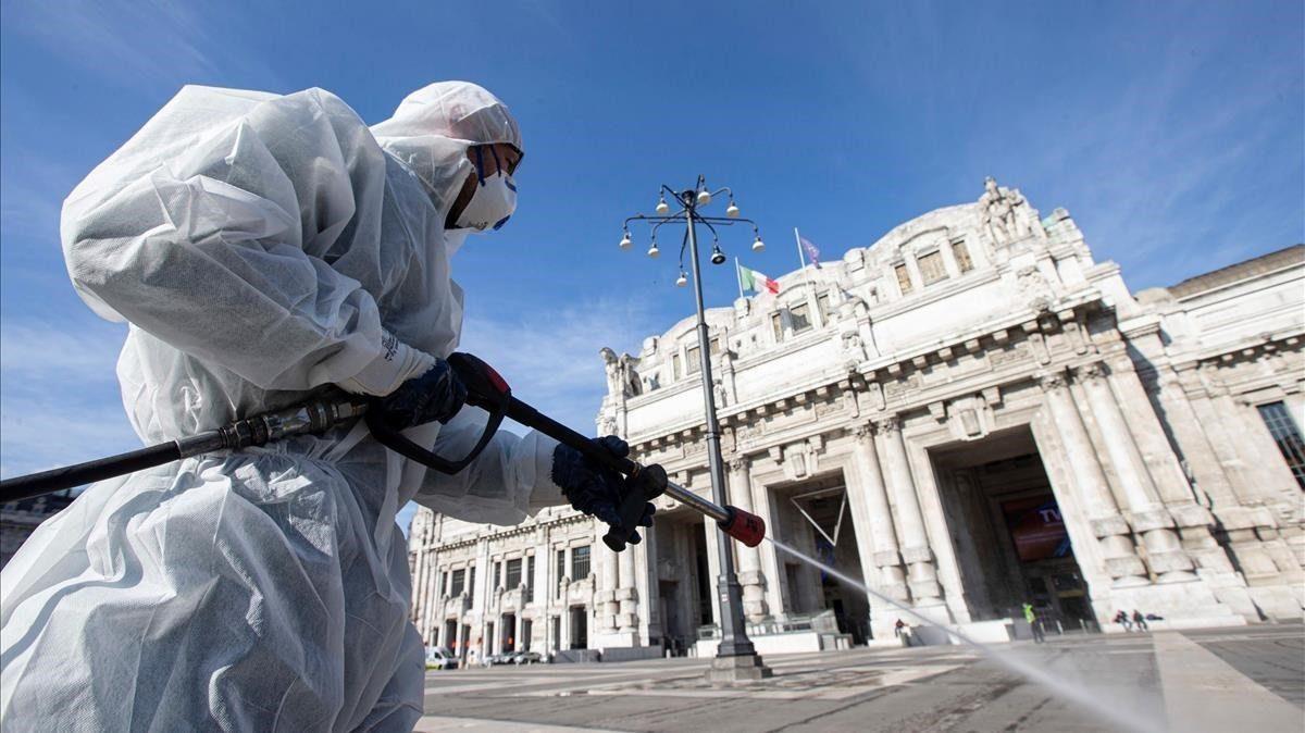 Italia marca un nuevo récord de casos diarios de coronavirus con 10.010 contagios en un día