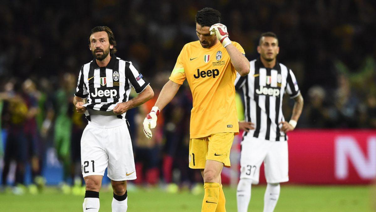 Una exfigura de la Juventus revela que sorprendió a Buffon y Pirlo fumando en el baño
