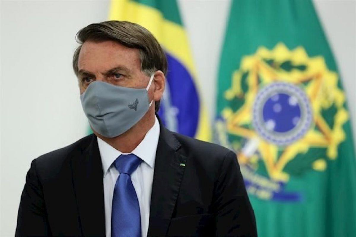 Presidente de Brasil provoca aglomeración en playa Sao Paulo