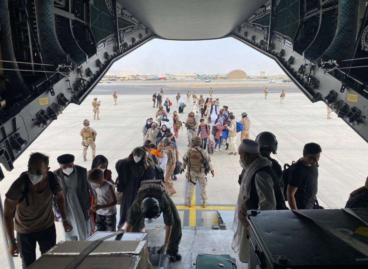 Avanzan las evacuaciones desde el aeropuerto de Kabul