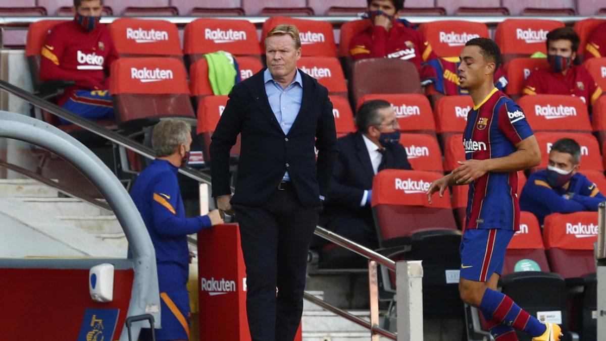 Ronald Koeman se pronuncia tras las críticas a Messi por las imágenes en las que camina en la cancha y no ataca al rival