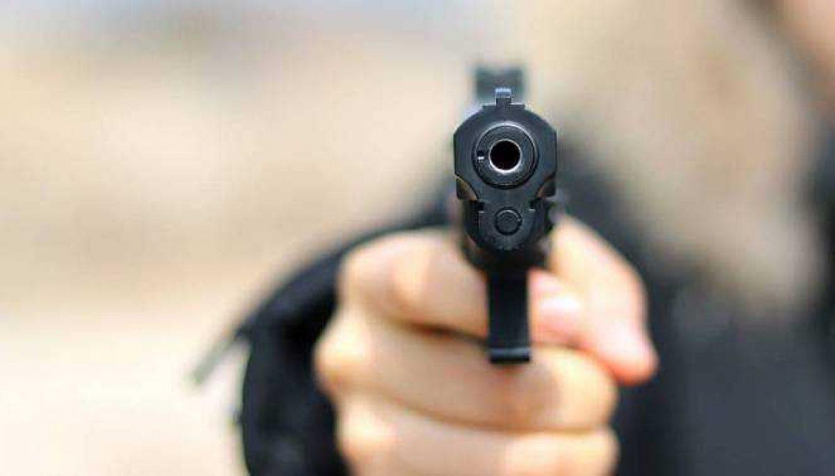 Sicarios en moto matan a tiros a un joven que se tomaba fotos en un parque de Perú
