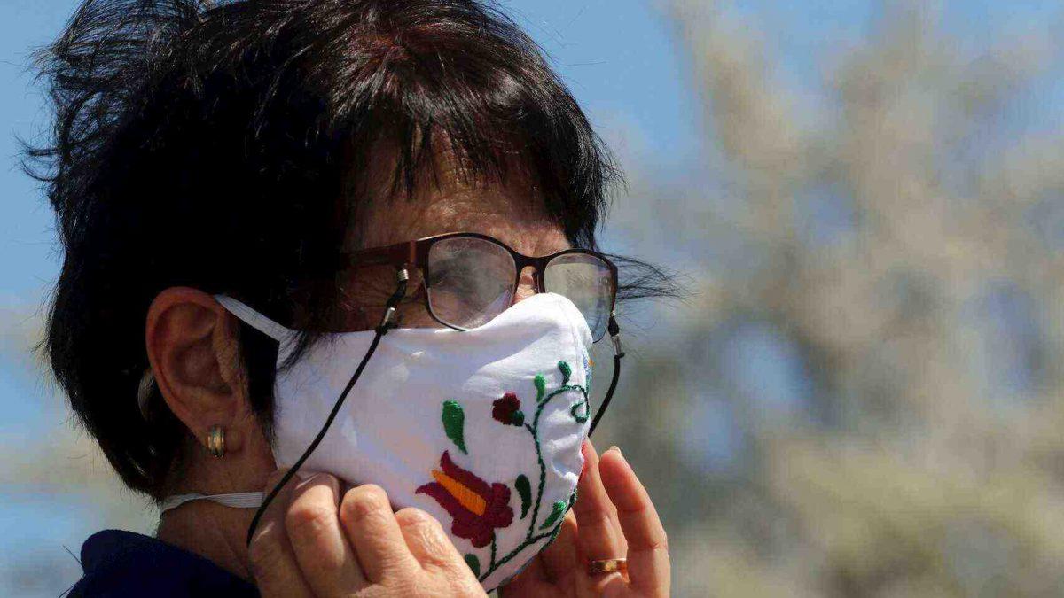 Las personas con lentes tienen menos probabilidades de contagiarse de coronavirus según un estudio