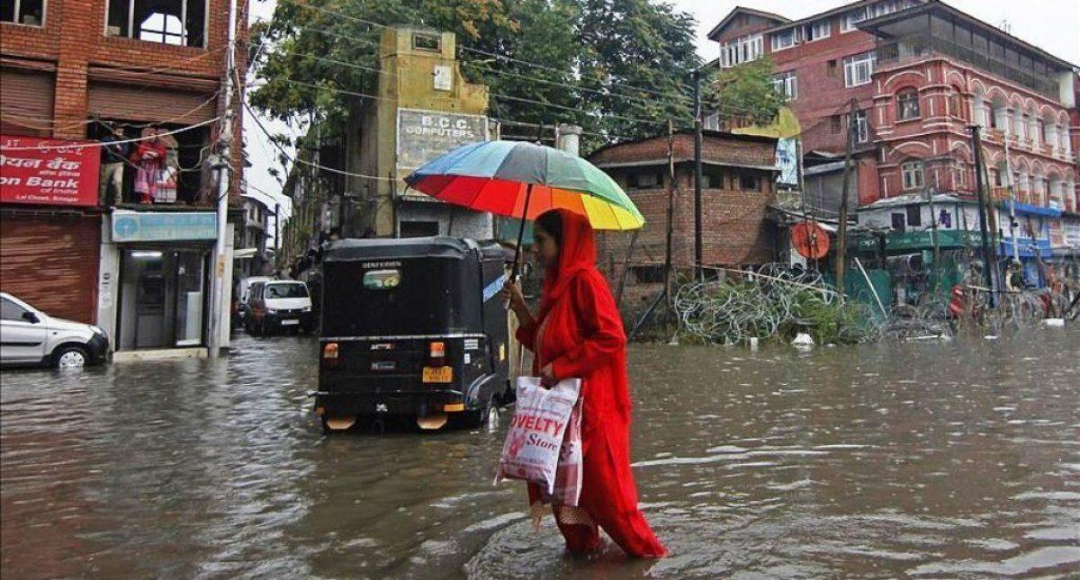 Más de 340 muertos a causa de las lluvias en el sur de Asia