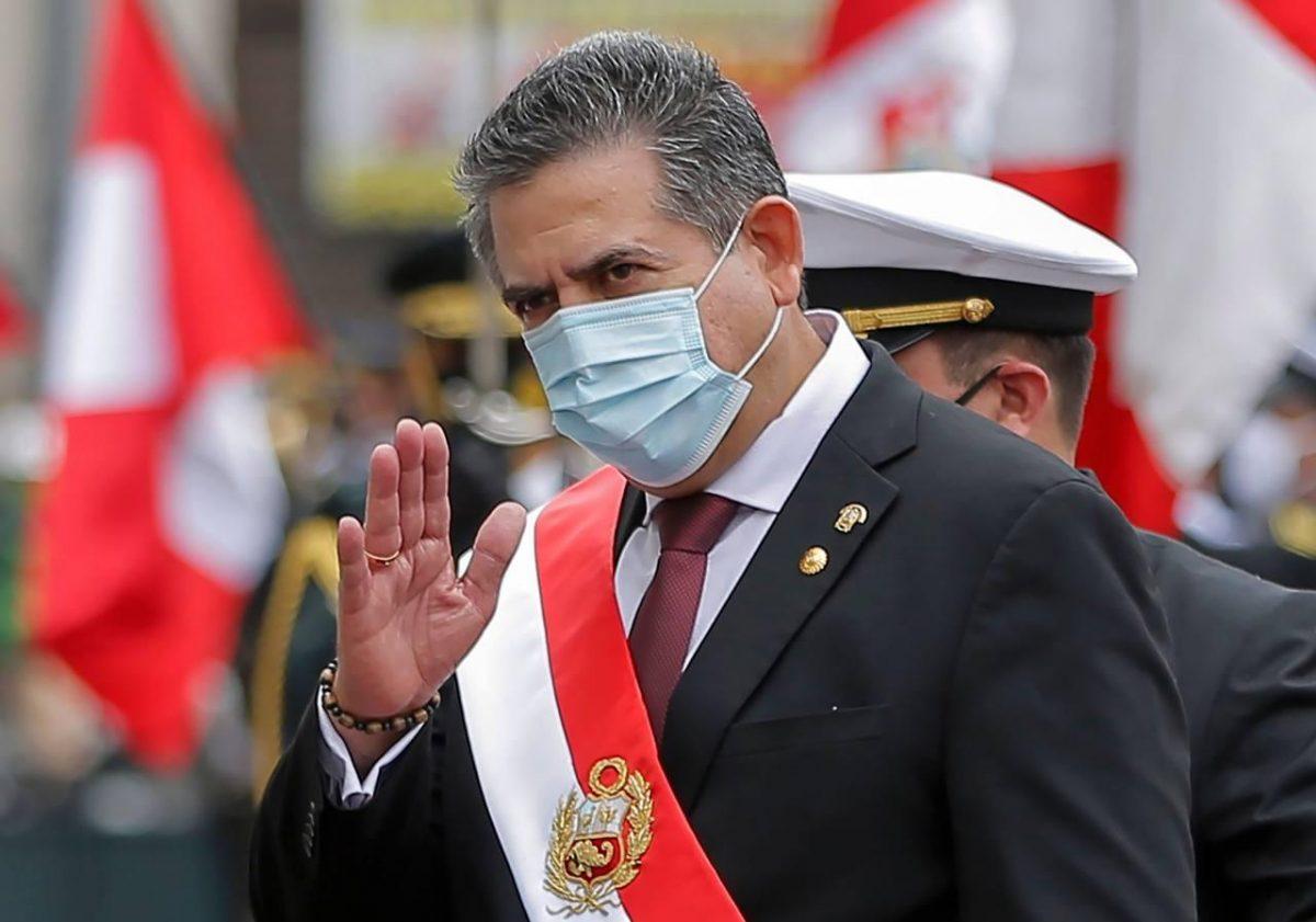 ÚLTIMA HORA   Renuncia Manuel Merino a la presidencia de Perú tras manifestaciones