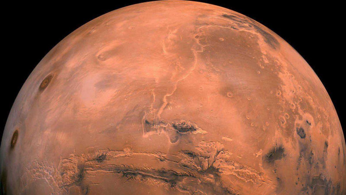 El rover Curiosity captura las coloridas nubes iridiscentes en Marte