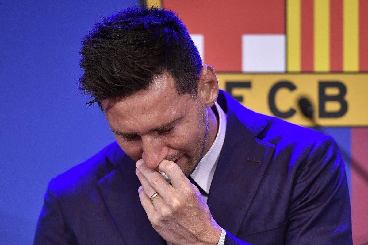 Lionel Messi se despide del FC Barcelona entre lágrimas