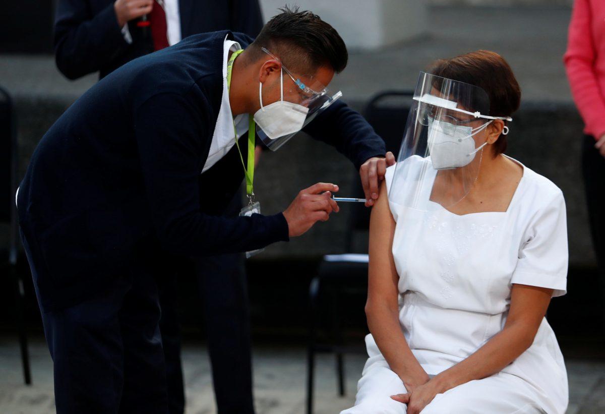 Inició la vacunación contra el Covid-19 en México