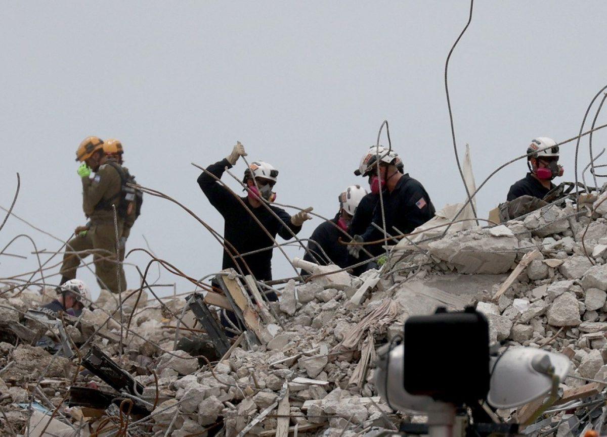 Ascienden a 46 los fallecidos en derrumbe de edificio en Florida