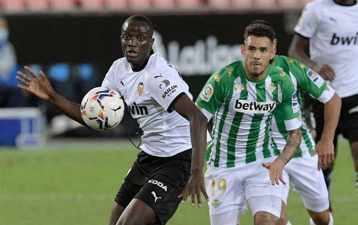 Jugadores deciden abandonar un partido por denuncia de insultos racistas en España