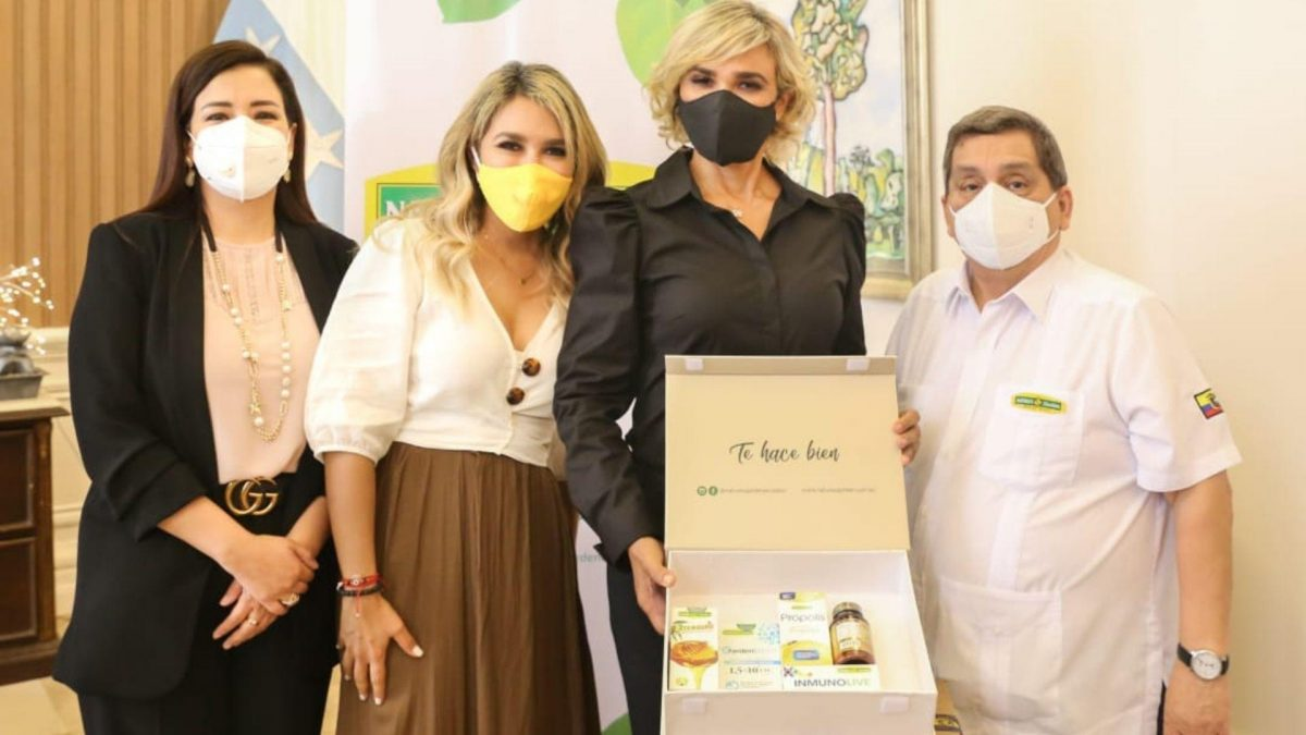 La empresa Nature's Garden entregó donación a la Municipalidad de Guayaquil