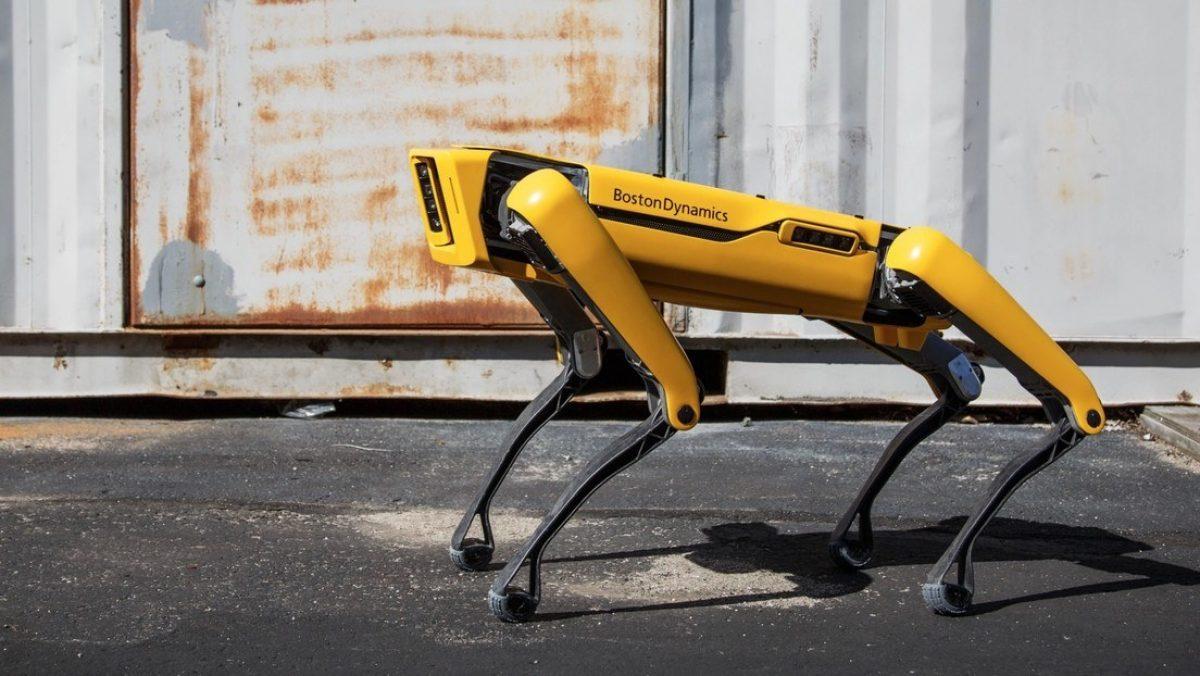 VIDEO: El perro robot de Boston Dynamics que sirve cervezas