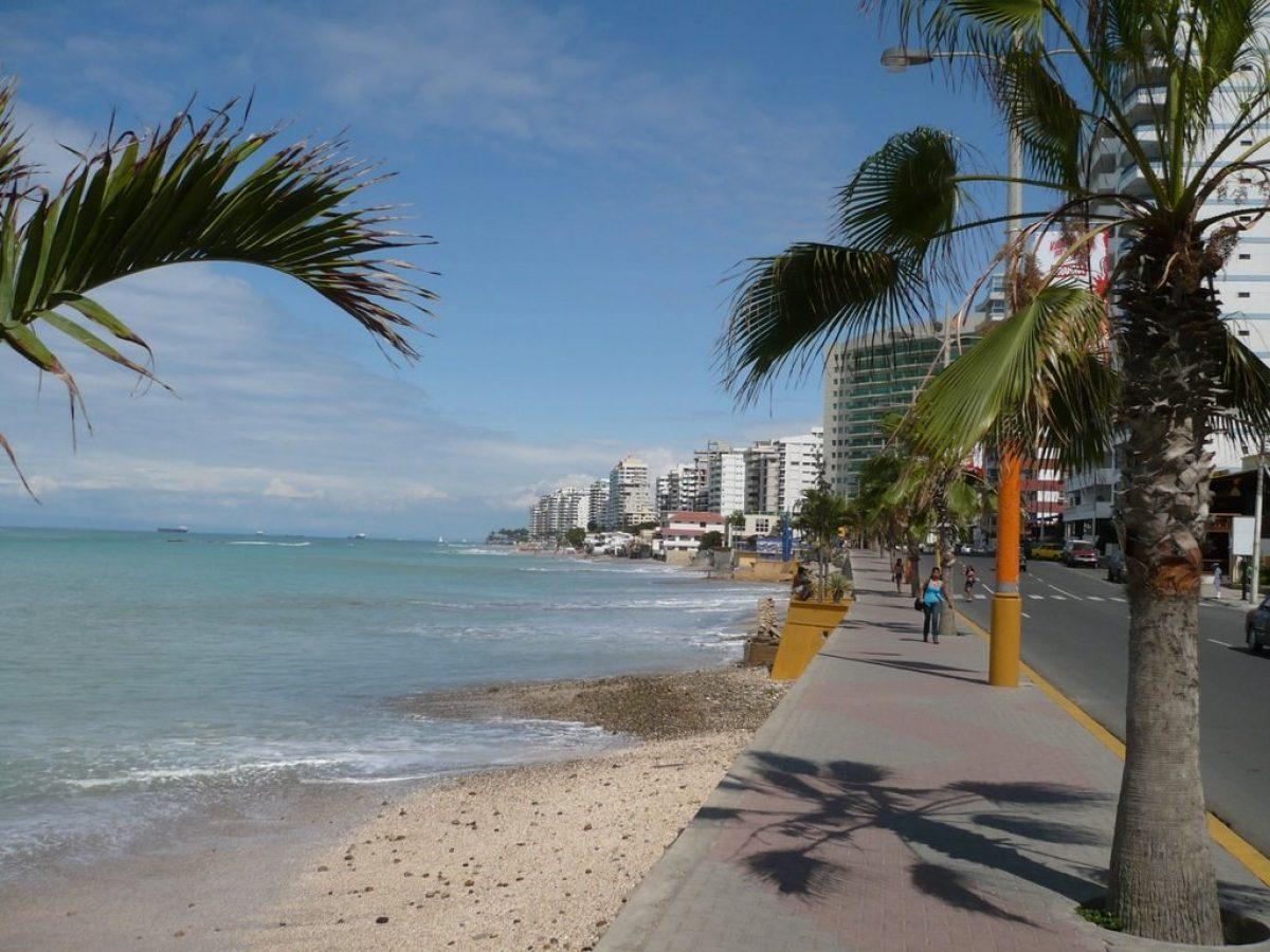 COE Nacional dispone el cierre de playas debido a nueva mutación del coronavirus