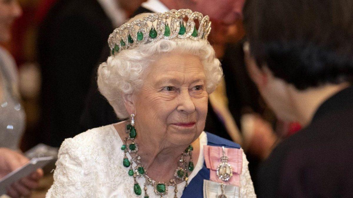 La reina Isabel II se vacunará pronto contra el covid-19