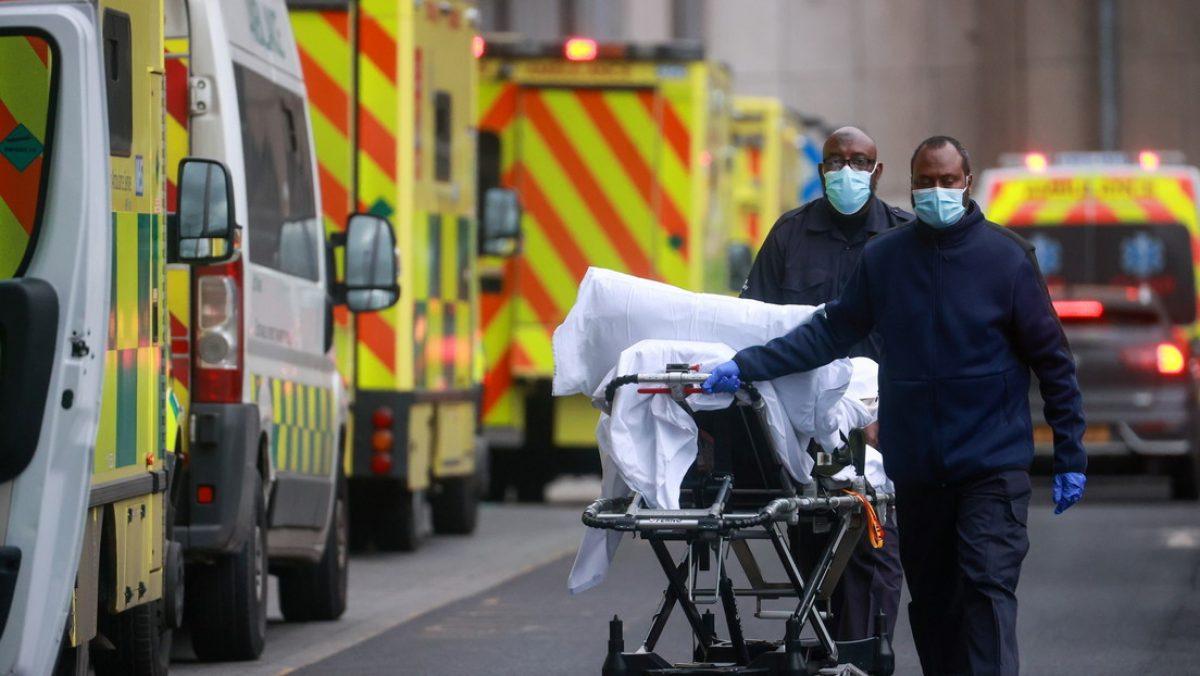"""En Reino Unido afirman que hay """"indicios"""" de que la nueva variante de covid-19 parece ser más mortal"""