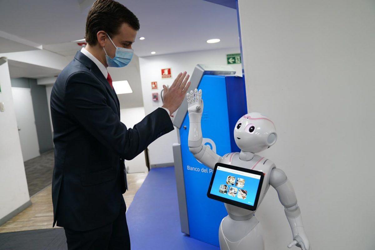 Banco del Pacífico tiene el primer robot de asistencia financiera en la región
