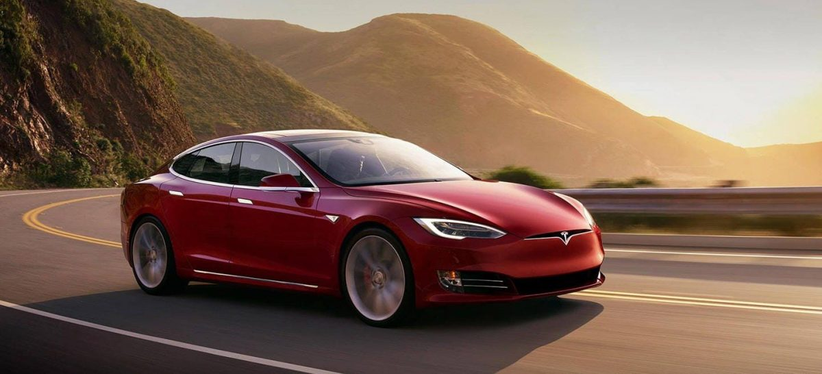 Tesla anuncia que sus clientes pueden pagar con bitcóins