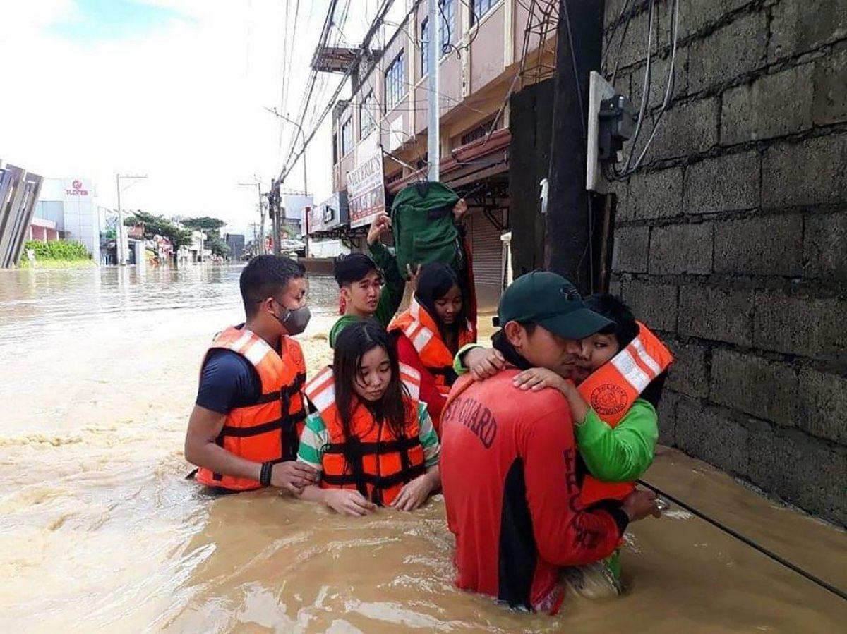 El tifón Vamco azota a Vietnam tras causar al menos 67 muertos en Filipinas