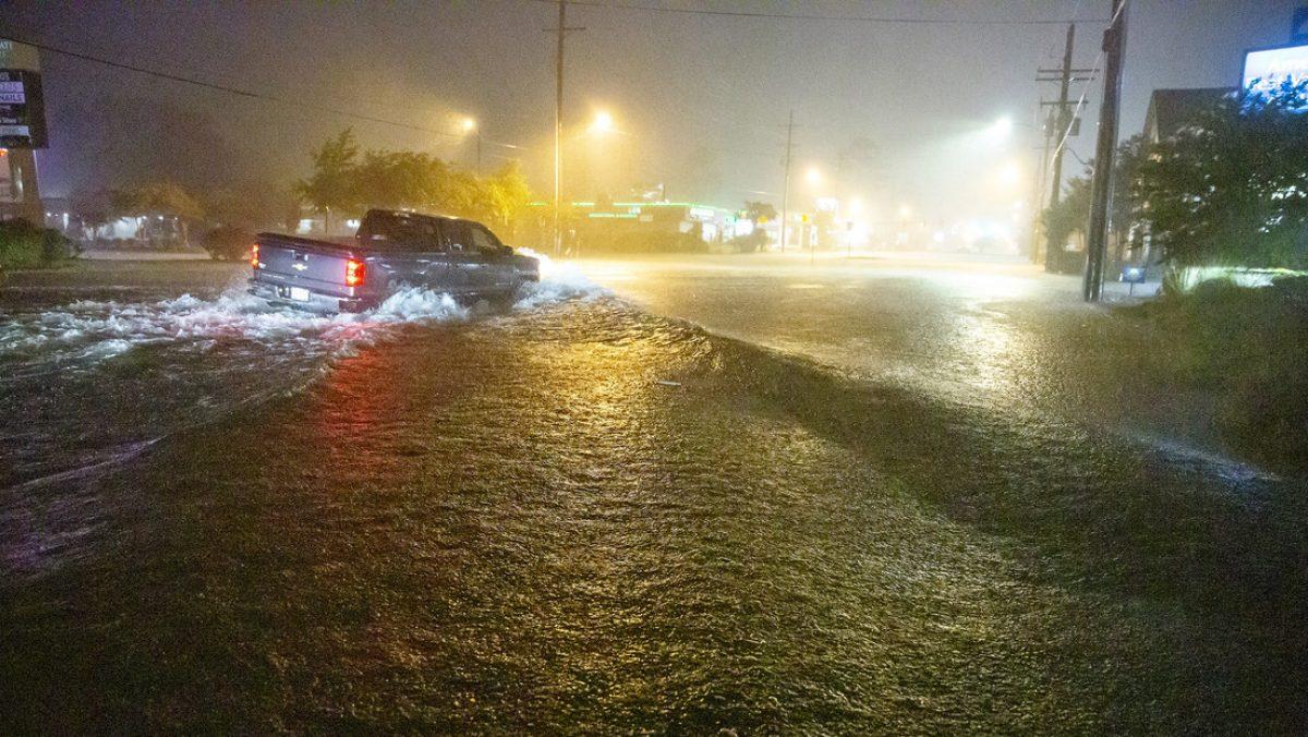 La tormenta Claudette azota el sur de EE.UU. y deja al menos 12 muertos, varios heridos y decenas de casas destruidas